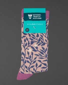 ladies pink sock with blue bamboo pattern