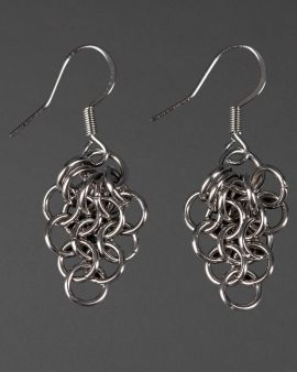 small chain maille earrings with hessian gift bag